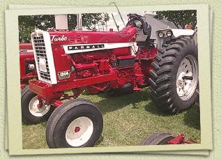 Antique Farmall 1206